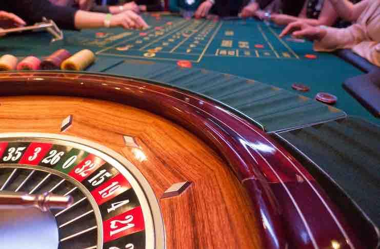 Roulette vs Poker